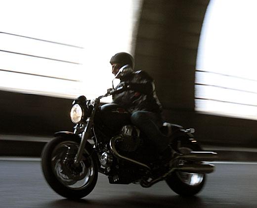 Moto-Guzzi 940 BELLAGIO 2011 - 39