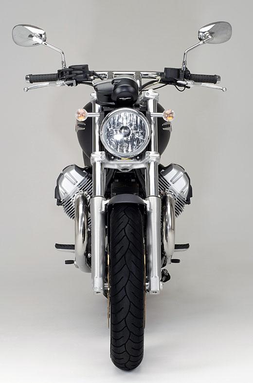 Moto-Guzzi 940 BELLAGIO 2011 - 14