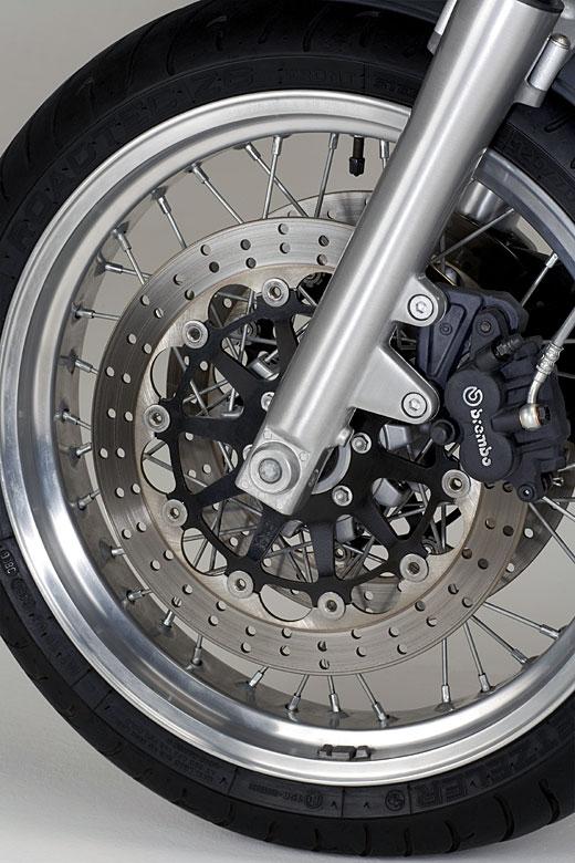 Moto-Guzzi 940 BELLAGIO 2011 - 16