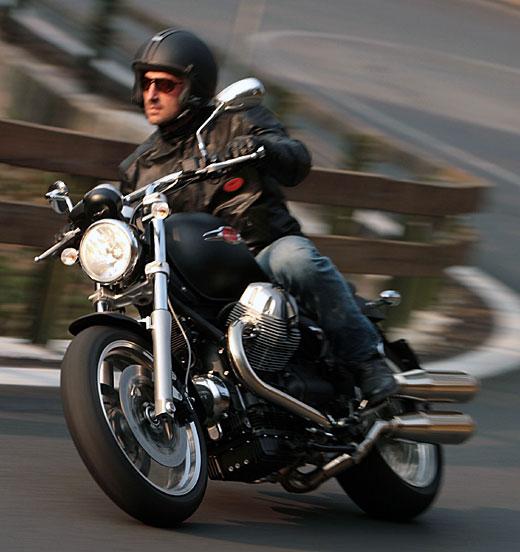 Moto-Guzzi 940 BELLAGIO 2011 - 40