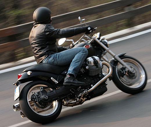 Moto-Guzzi 940 BELLAGIO 2011 - 41