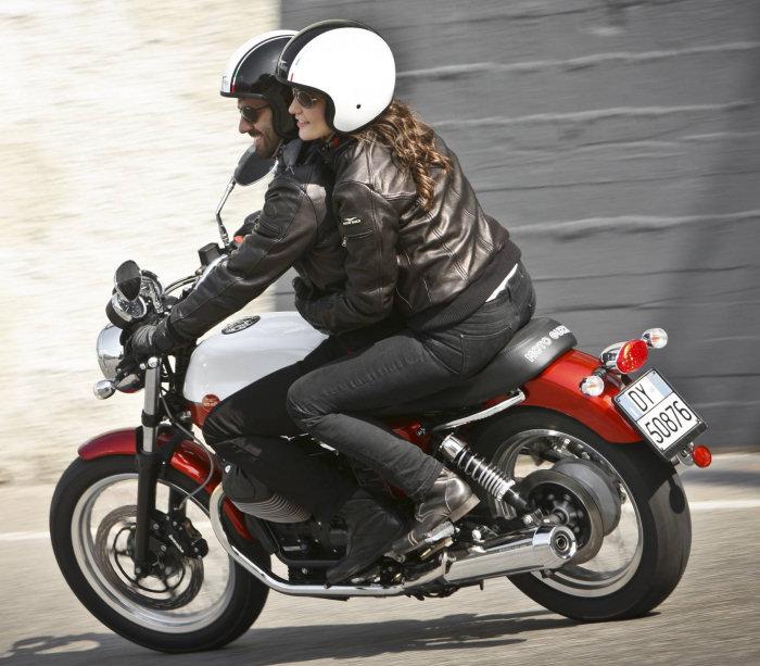 Moto-Guzzi V7 750 SPECIAL 2012 - 13