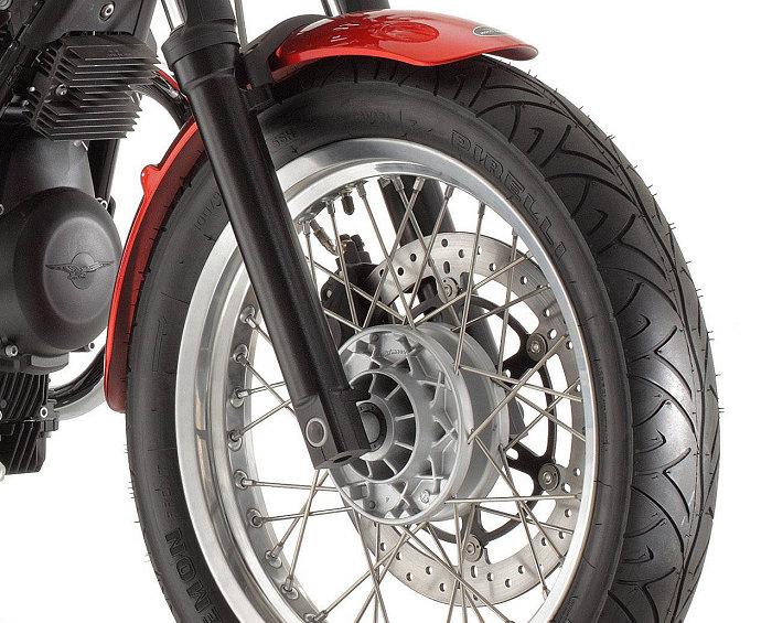 Moto-Guzzi V7 750 SPECIAL 2012 - 18