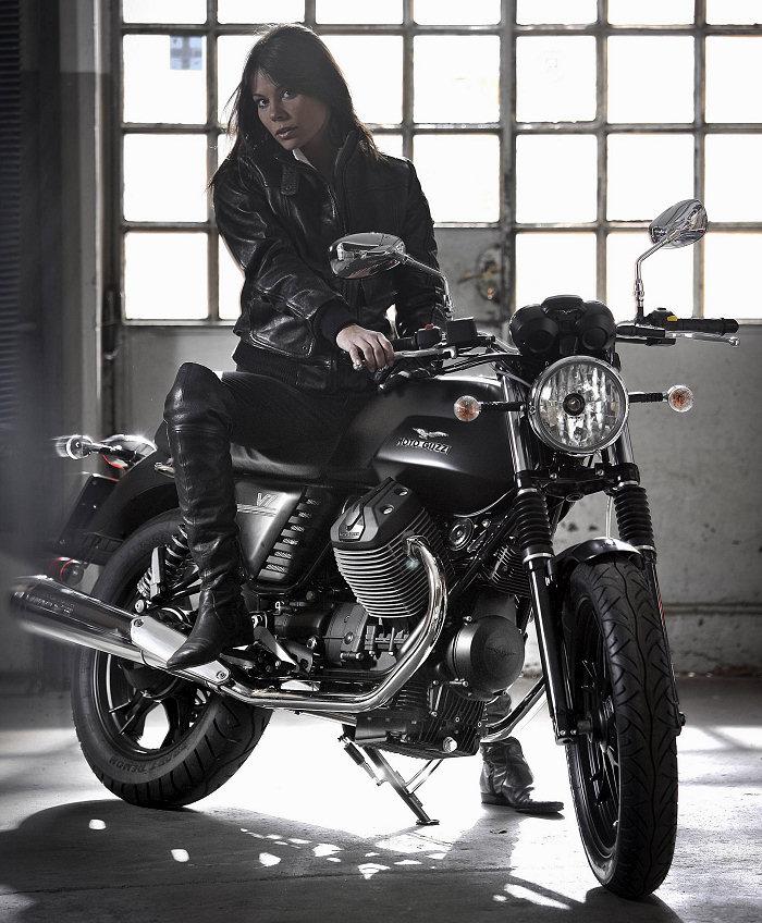 Moto-Guzzi V7 750 Stone 2014 - 8