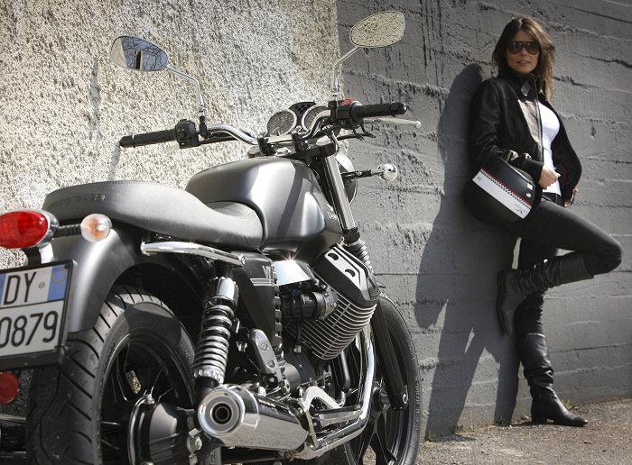 Moto-Guzzi V7 750 Stone 2012 - 2
