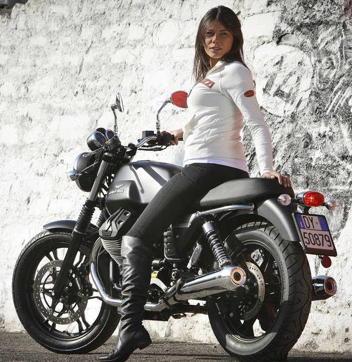 Moto-Guzzi V7 750 Stone 2012 - 5