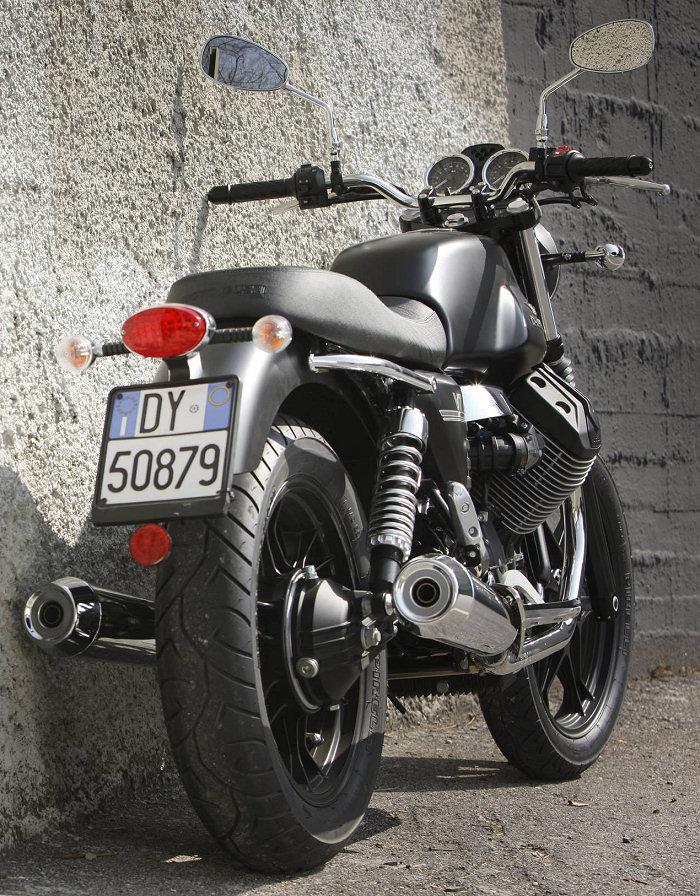 Moto-Guzzi V7 750 Stone 2012 - 11