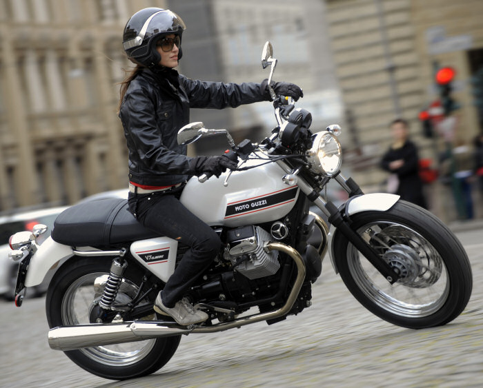 Bonneville And Son >> Moto-Guzzi V7 750 Classic 2009 - Fiche moto - Motoplanete