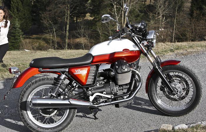 moto guzzi v7 750 special 2012 fiche moto motoplanete. Black Bedroom Furniture Sets. Home Design Ideas