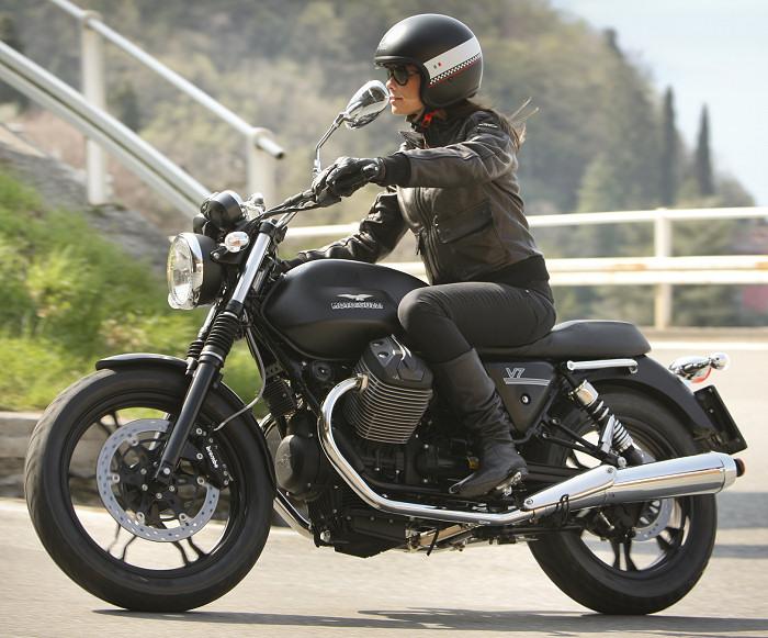 moto guzzi v7 750 stone 2013 fiche moto motoplanete. Black Bedroom Furniture Sets. Home Design Ideas