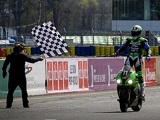 Kawasaki remporte les 24 heures du Mans Moto 2016.
