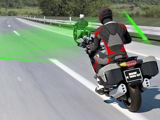 BMW présente un nouveau régulateur de vitesse adaptatif.