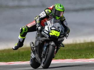 Pourquoi les pilotes moto sortent la jambe au freinage ?