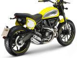 Coup d'oeil de l'accessoire avec le Ducati 800 Scrambler Flat Track Pro.