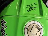"""Série limitée de Kawasaki ZX-10R """"Tom Sykes"""" pour l'Angleterre."""