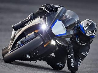 Un coup de main de Yamaha pour ses pilotes.