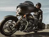 Plus d'équipement pour la Harley-Davidson 1690 Street Glide Special 2015.