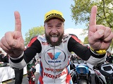 Tourist Trophy - Bruce Anstey remporte la course Superbike.