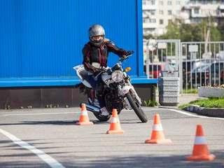 Passer le permis moto en 2020 : quels changements ?