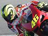 Rossi teste son épaule sur une Ducati 1198 SP.