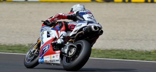WSBK-imola-2012-victoire-Superbike-course-1