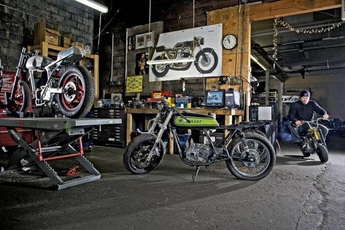 calendrier-metzeler-2013-face-garages-2