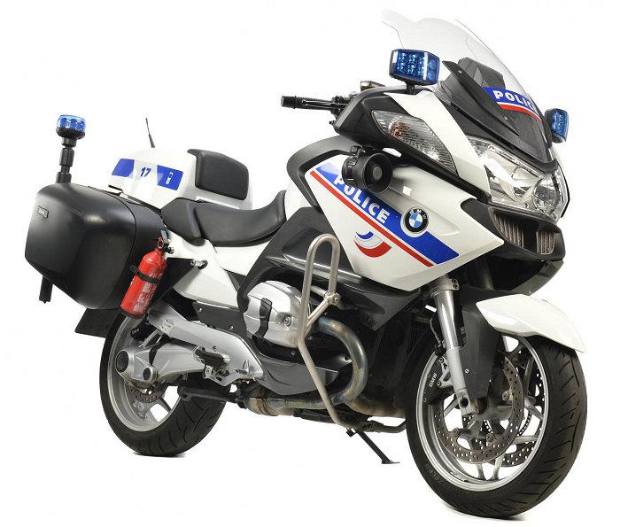premi re livraison de la bmw r 1200 rt police actualit moto. Black Bedroom Furniture Sets. Home Design Ideas