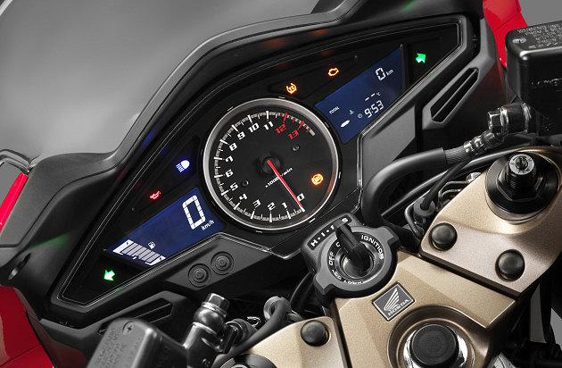 Honda-VFR-800-2014-2