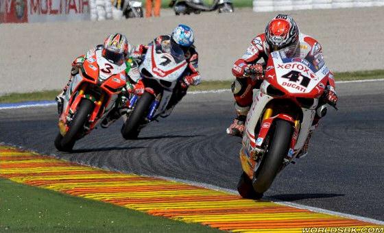 SBK-2010-valencia-victoire-haga
