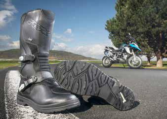 chaussures moto semelles hautes
