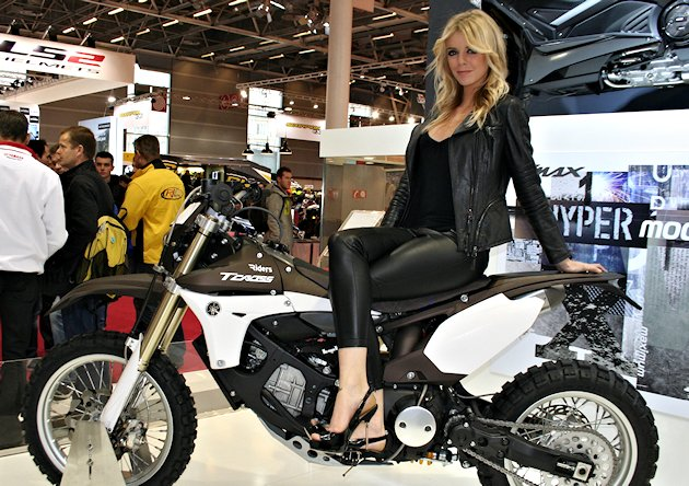 Le salon de la moto de paris ouvrira ses portes du 1er au for Salon des ce paris 2015