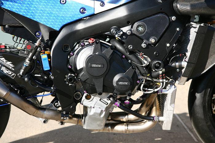 Suzuki 1000 GSX-R  SUPERBIKE CRESCENT 2012 - 17
