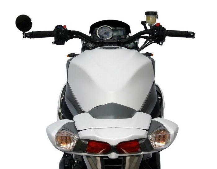 Suzuki 1000 VIRUS 2012 - 5