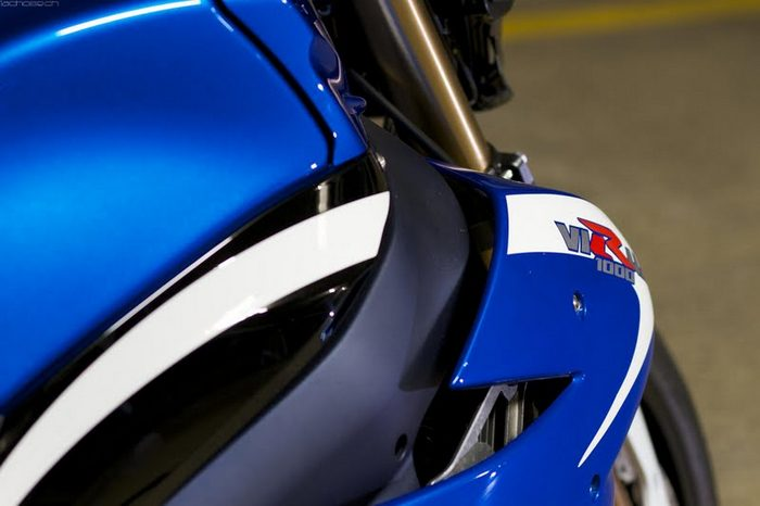 Suzuki 1000 VIRUS 2012 - 15