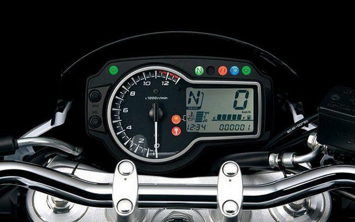 Suzuki GSR 750 S.E.R.T Edition 2014 - 7