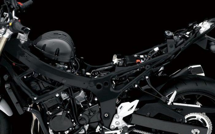 Suzuki GSR 750 S.E.R.T Edition 2014 - 3
