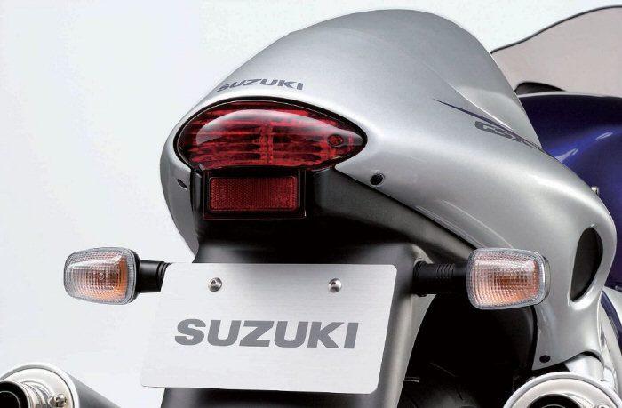 Suzuki 1300 GSX-R Hayabusa 2003 - 9
