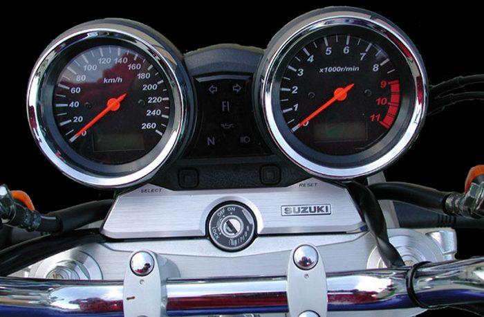 Suzuki GSX 1400 2003 - 10