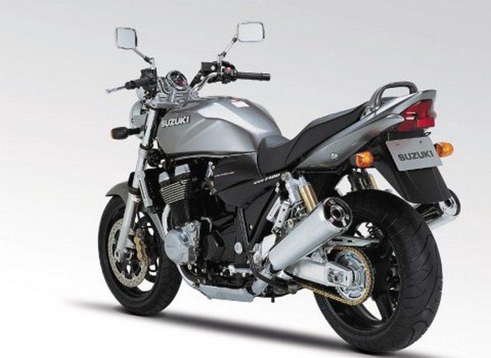 Suzuki GSX 1400 2003 - 13