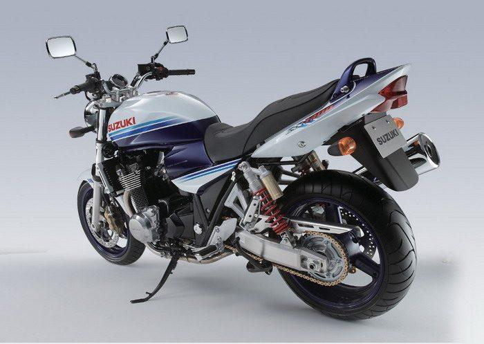 Suzuki GSX 1400 2003 - 7