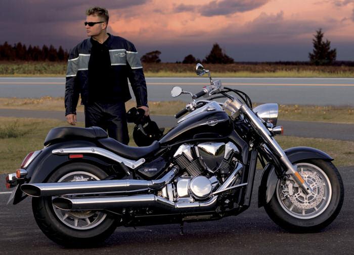 suzuki intruder c 1800 r 2010 fiche moto motoplanete. Black Bedroom Furniture Sets. Home Design Ideas
