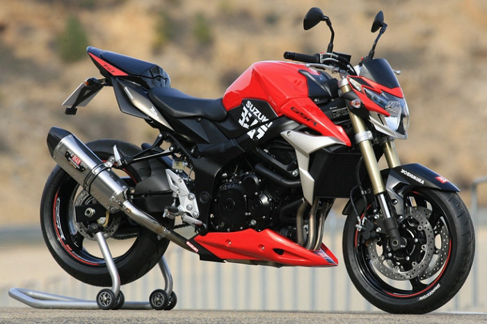 Pneu moto 750 gsr