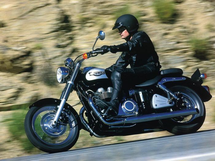 Triumph 800 BONNEVILLE AMERICA 2001 - 16.JPG