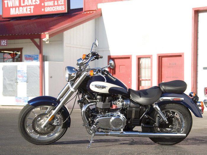 Triumph 800 BONNEVILLE AMERICA 2001 - 17