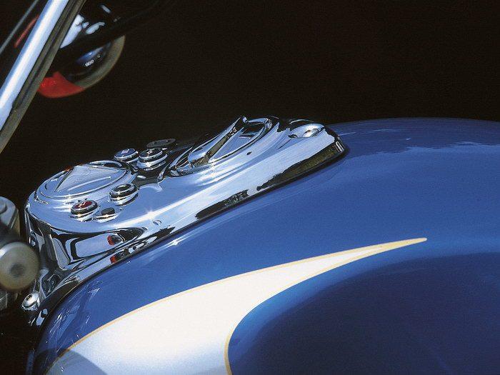 Triumph 800 BONNEVILLE AMERICA 2001 - 12