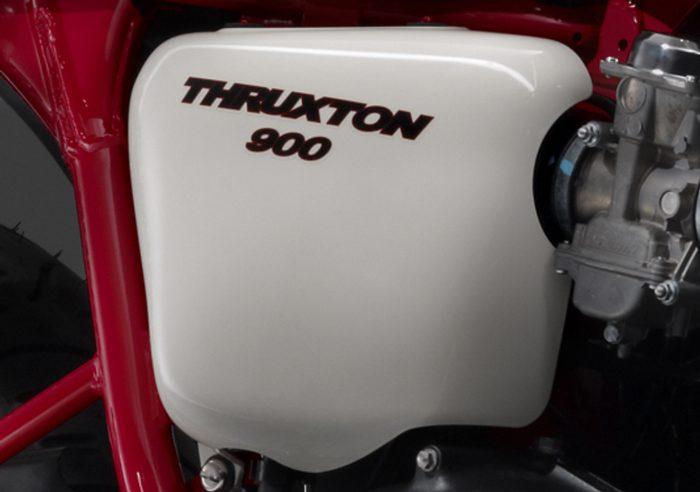 Triumph 900 THRUXTON SE 2010 - 1