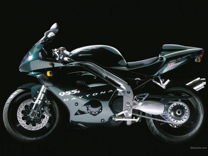 Triumph 955i DAYTONA 2003 - 7