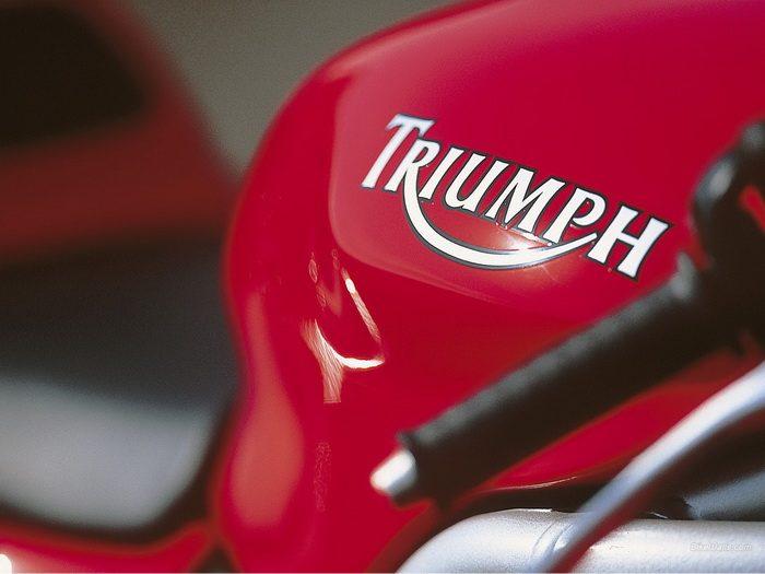 Triumph 955i DAYTONA 2003 - 16