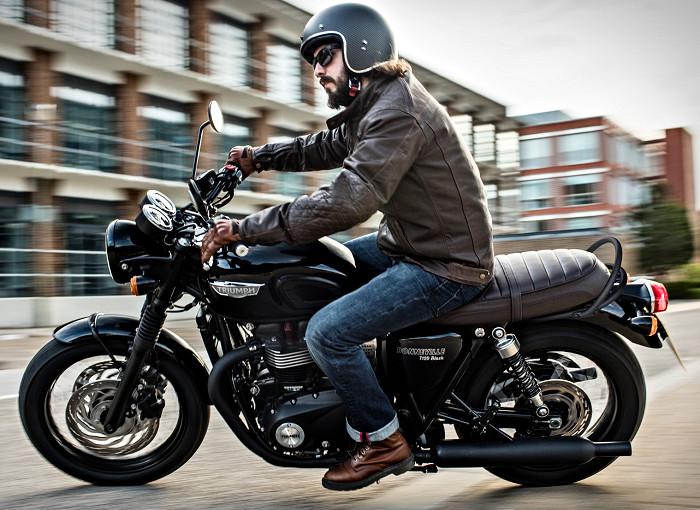 triumph 1200 bonneville t 120 black 2017 fiche moto motoplanete. Black Bedroom Furniture Sets. Home Design Ideas