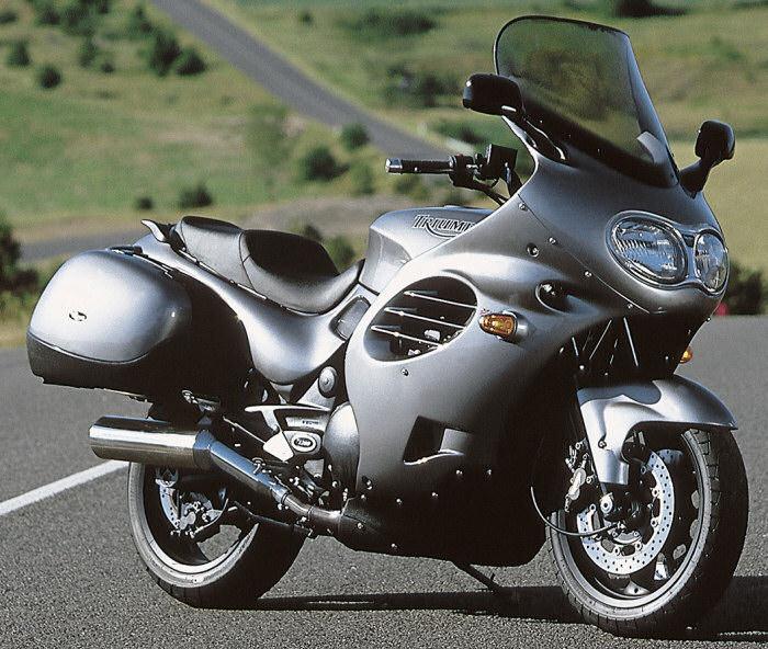 présentation Yron Triumph-1200-Trophy-2000-700px